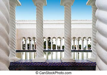 saifuddien, sultán, mešita, omar, ali