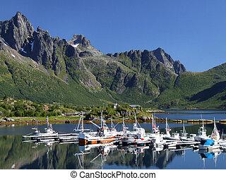 Scénickou jachtu v Norsku