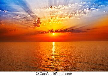 Slunce v moři