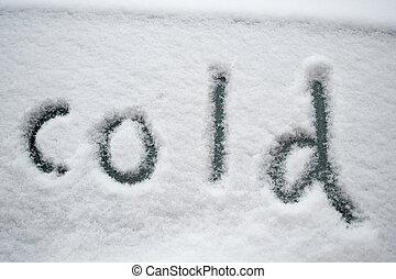 """""""smrd"""", napsaný ve sněhu"""