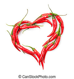 Srdce chilli papriky izolované na bílém