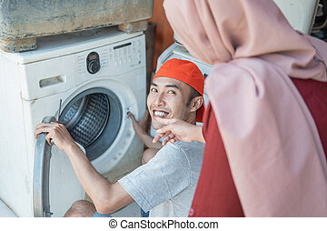 stroj, vzhled, manželka, dobrý stav, hijab, opravář, bytost, mytí, elektronika