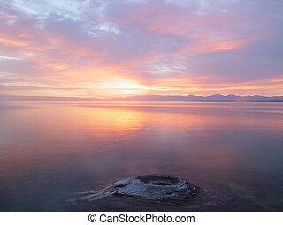 Sunrise a jezero