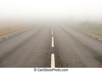 těko stravitelný mlha, asfaltový cesta