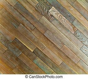 V dubnové strukturě podlahy s přírodními vzory