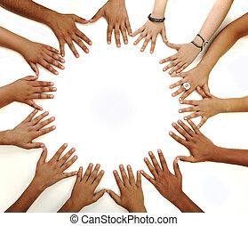 V oboustranném symbolech multiaktivních dětí, které se pohybují v bílém prostředí s kopírujícím prostorem uprostřed