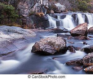 vodopád, řeka, malý
