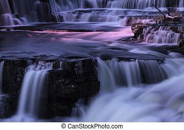 vodopády, večer