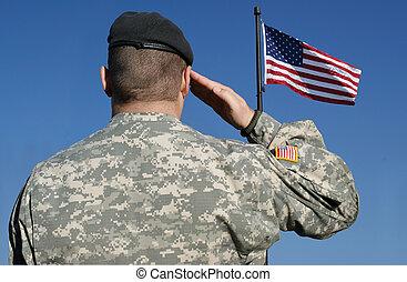 Vojáci salutují