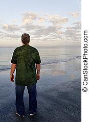 voják, mladický košile, oceán