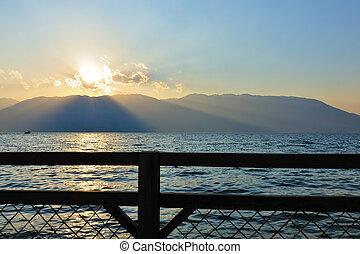 západ slunce, jezero, krajina