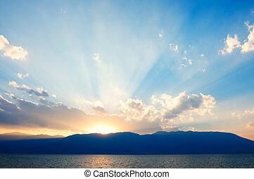 západ slunce, jezero