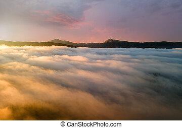 západ slunce, mračno, horizon., neposkvrněný, daleký, zbabělý, nafouklý, hory, názor, nad, anténa