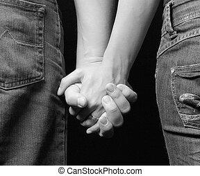 zadnice, snoubenci, -, sevření dílo, názor