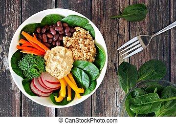 Zdravý oběd s kvím, vlhko a zeleninou, na místě s rezifiskací