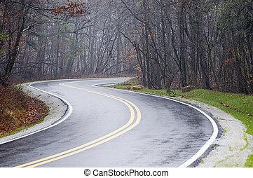 země cesta, deštivý