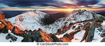 Zima horská krajina - západ slunce, Slovenska